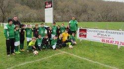 les U11 avec leurs nouveaux jeu de maillots offert par mr Prat - Association Sportive de Saint-Viance