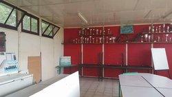 Nettoyage Cabane du foot de Sellieres par les jeunes du FCBO + un vétéran très actif. - FOOTBALL  CLUB    BRENNE-ORAIN