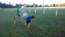 Bataille d'eau U13 après l'entraînement - ENTENTE FOOT VEZERE