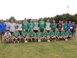 l'équipe A contre les anciennes gloires - E.S. TOULON