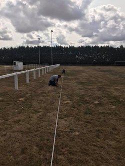 Opération préparation des terrains du stade - FC GUIGNES