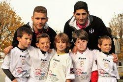Les joueurs U7 avec 2 joueurs du TFC. - FOOTBALL CLUB DU SAVES 31