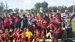 Tournoi de Narbonne 25 mai 2015 sur 4 jours. 4 équipes U13 engagées et un plaisir de tous ce retrouver.