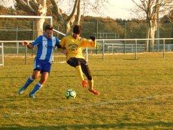 Dimanche 3 décembre 2017 : FC Aureille vs FC Cheval-Blanc 2 - FC Cheval-Blanc : Le Bleu et le Blanc sont nos couleurs