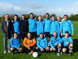 nos séniors matin terminent 2eme et montent en 1ere division ...bravo les gars !!! - Football Club du Nord Ouest