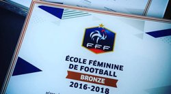 Remise du label Féminin - FOOTBALL CLUB PARENTIS