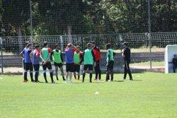 Echauffement et photo de l'équipe de DH avant la rencontre contre marignane - Union Sportive Marseille Endoume Catalans