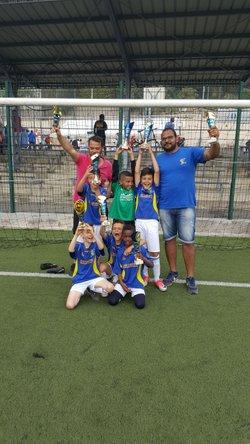 Les U9 vainqueur du tournoi ECMV!!!! - Réveil Sportif Saint-Isidore