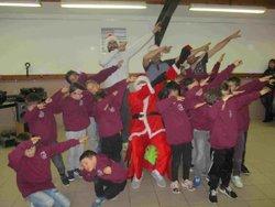 Nos petits grenats avec le Père Noël du VAC - Vernajoul Athlétic Club