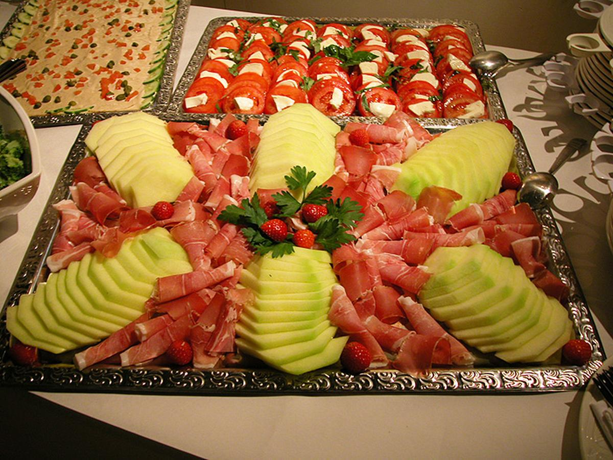 Actualit le jeudi 08 novembre 2012 soir e buffet club football cartoonligue footeo - Decoration legumes pour buffet ...