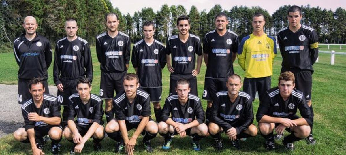 Album equipe a match contre pouldergat sports club football entente sportive landudec - Garage renault douarnenez ...