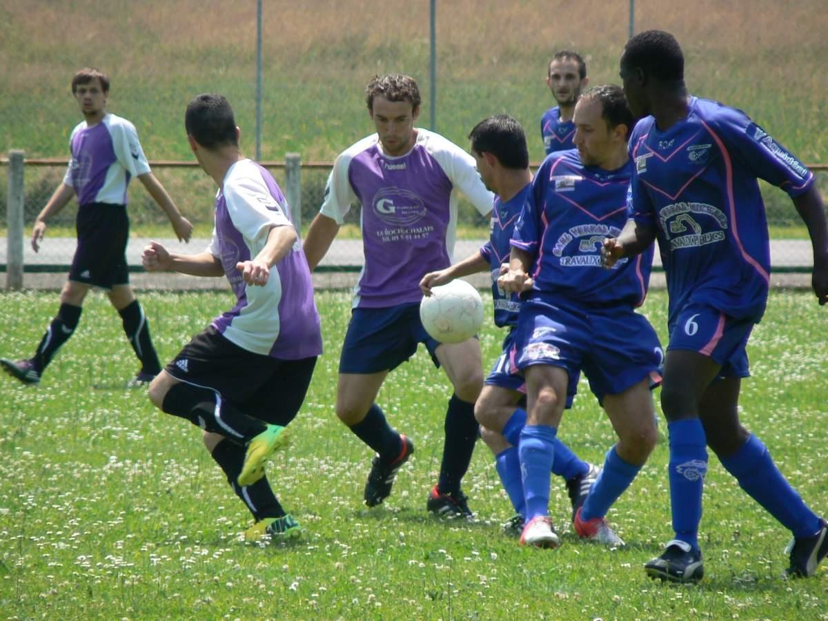 album - dernier match  photosmag   au milieu des    - club football a s parcoul chenaud